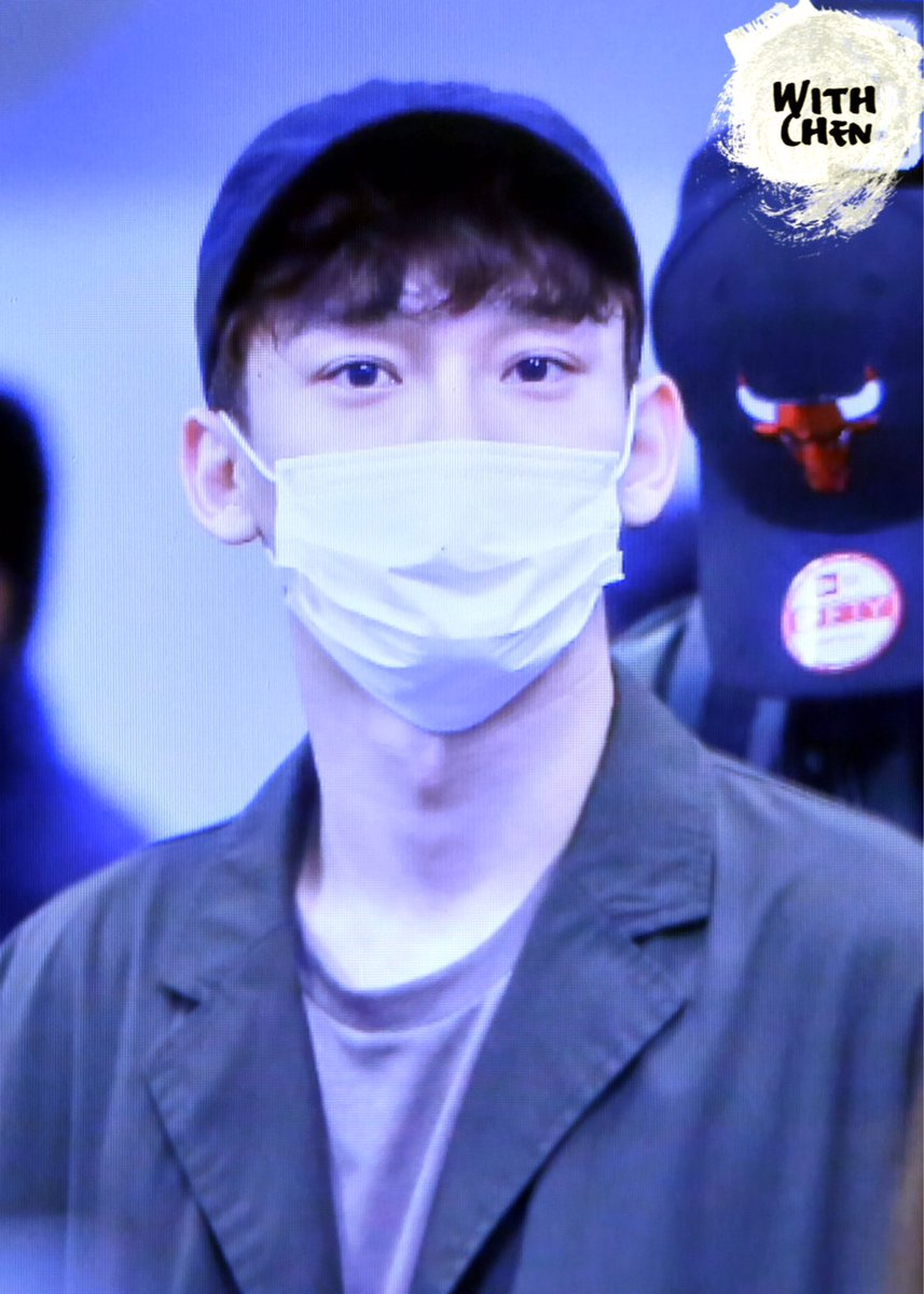 {#EXOPreview} 170320 : #Chen @ ICN Airport back from Malaysia (cr.with chen)pic.twitter.com/0SBh91pbWu