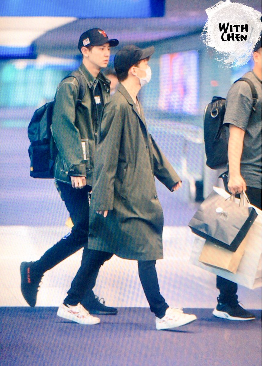 {#EXOPreview} 170320 : #Chen @ ICN Airport back from Malaysia (cr.with chen)pic.twitter.com/weXBoKoGeH