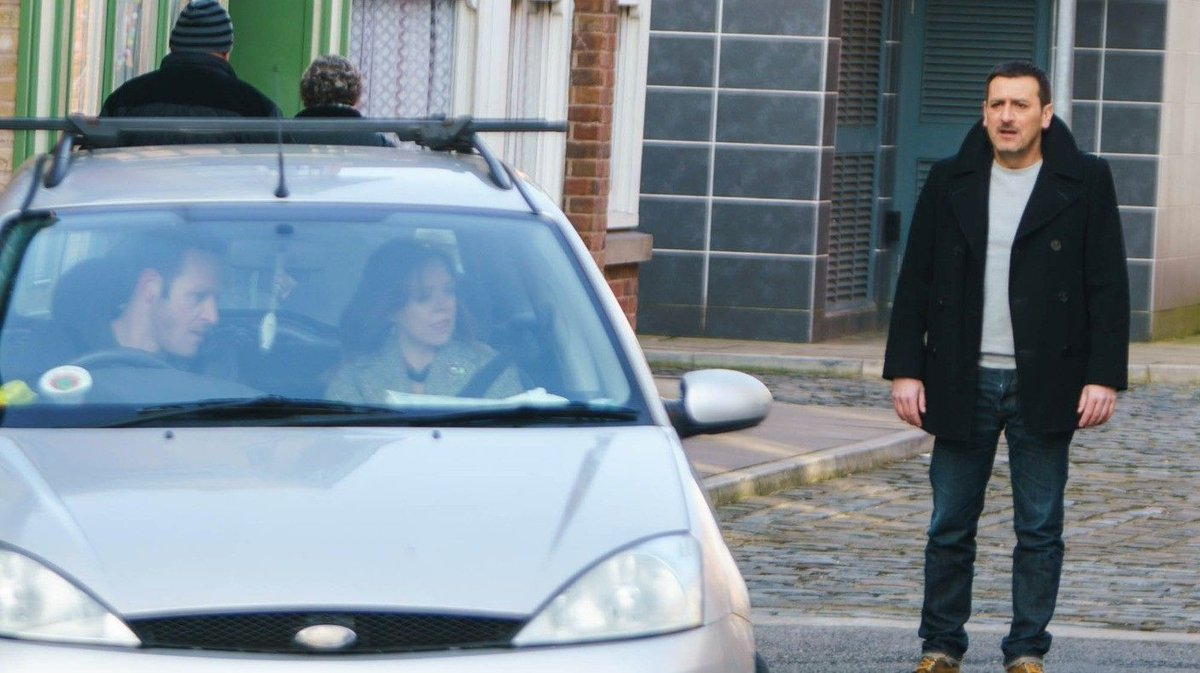 EXCLUSIVE PICS: See what's coming up next on Coronation Street!   http...
