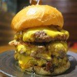ゴリゴリバーガー!肉とチーズの魔物!3✕3ゴリゴリバーガー!