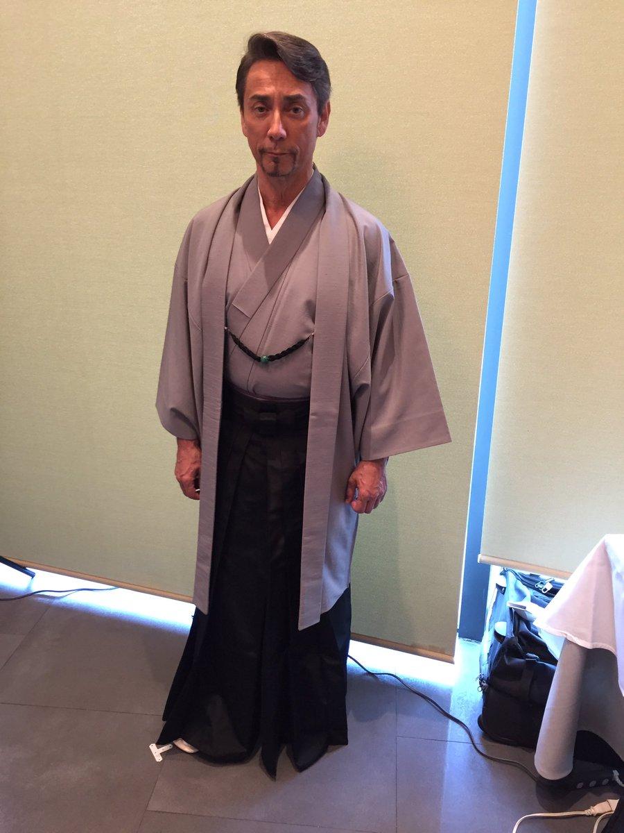 今朝ミッドタウンで織田信成さんとお茶の綾鷹のイベントに出た。着物姿どう? https://t.co/rnBgOGBkxj