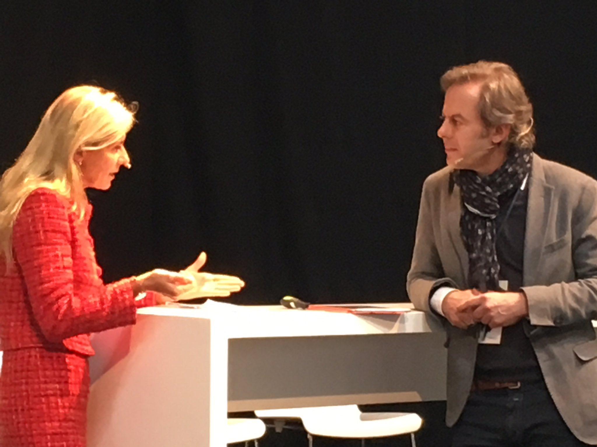 """""""Nah sein,weniger senden,mehr empfangen"""":Ursula Schütze-Kreilkamps Handlungsempfehlung für die anwesenden HR-Praktiker @alecmcint #cebiteda https://t.co/USNmTX4dfz"""