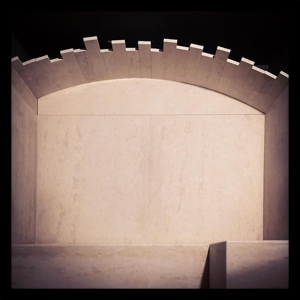 """""""Catalan vault"""" Building the vault of our new #steamroom entirely in marble and resorting … https://t.co/IutF6VzcrX"""