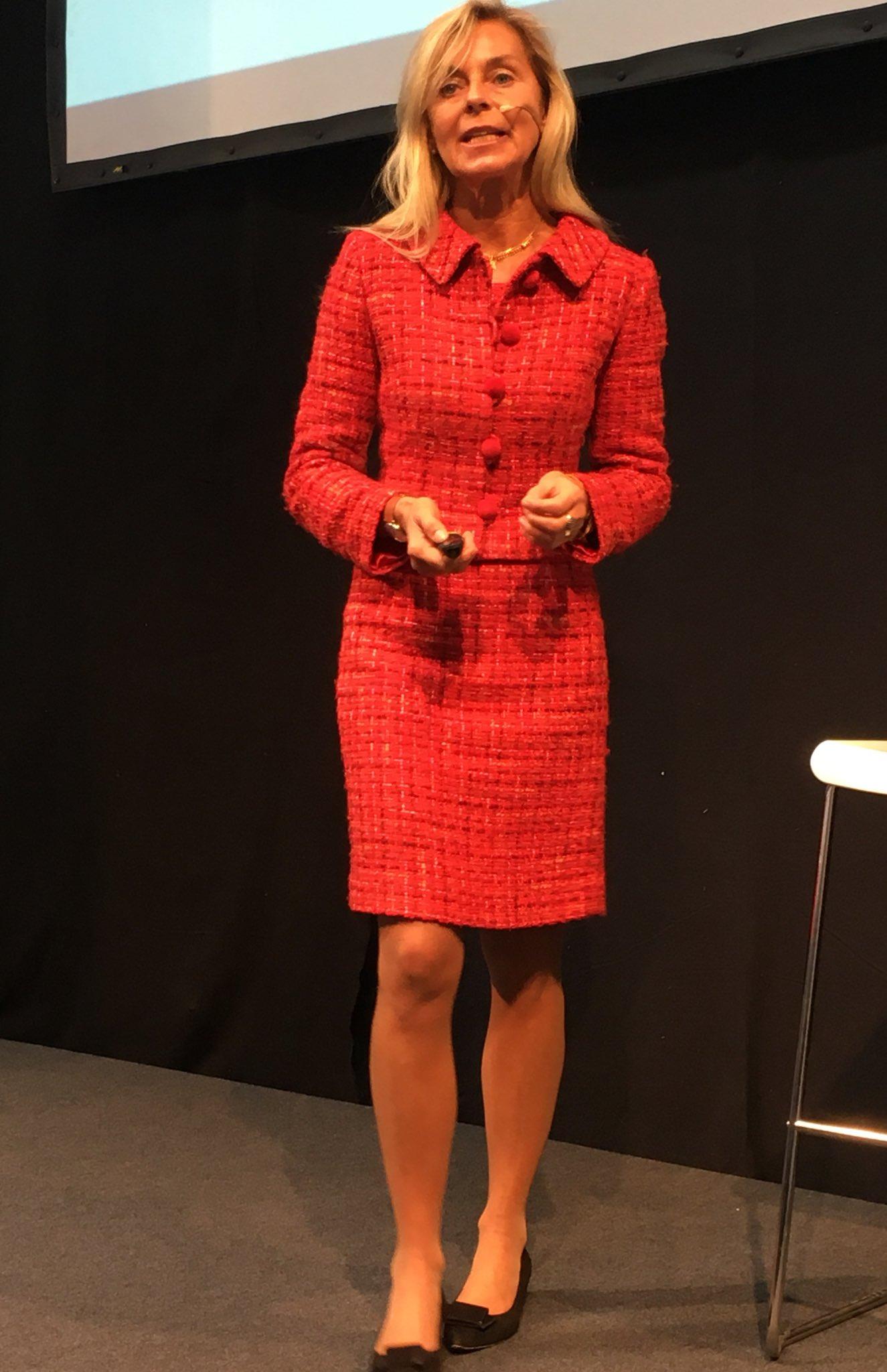 """Frau Dr. Ursula Schütze-Kreilkamp @ über """"Das digitale Ich"""" bei der #cebiteda @DB_Presse https://t.co/P3DJGIQa98"""