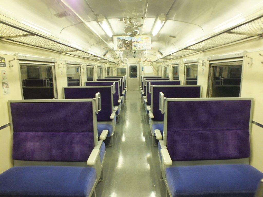 ところで「自分しか乗ってない夜汽車」ってなんか怖いよね。昨日の長万部~伊達紋別間がヤバかった。 https://t.co/1vaz0Qyzbw
