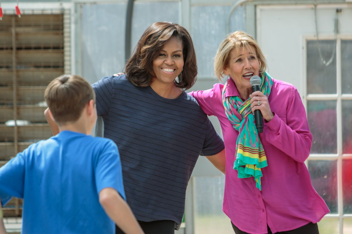 Donna Martin celebrates #NationalNutritionMonth w #MichelleObama&#39;s Let&#39;s Move visit @WCHE1520Radio 12:15-1:00pmET join in 610-701-9243<br>http://pic.twitter.com/BOy5gnjBAE