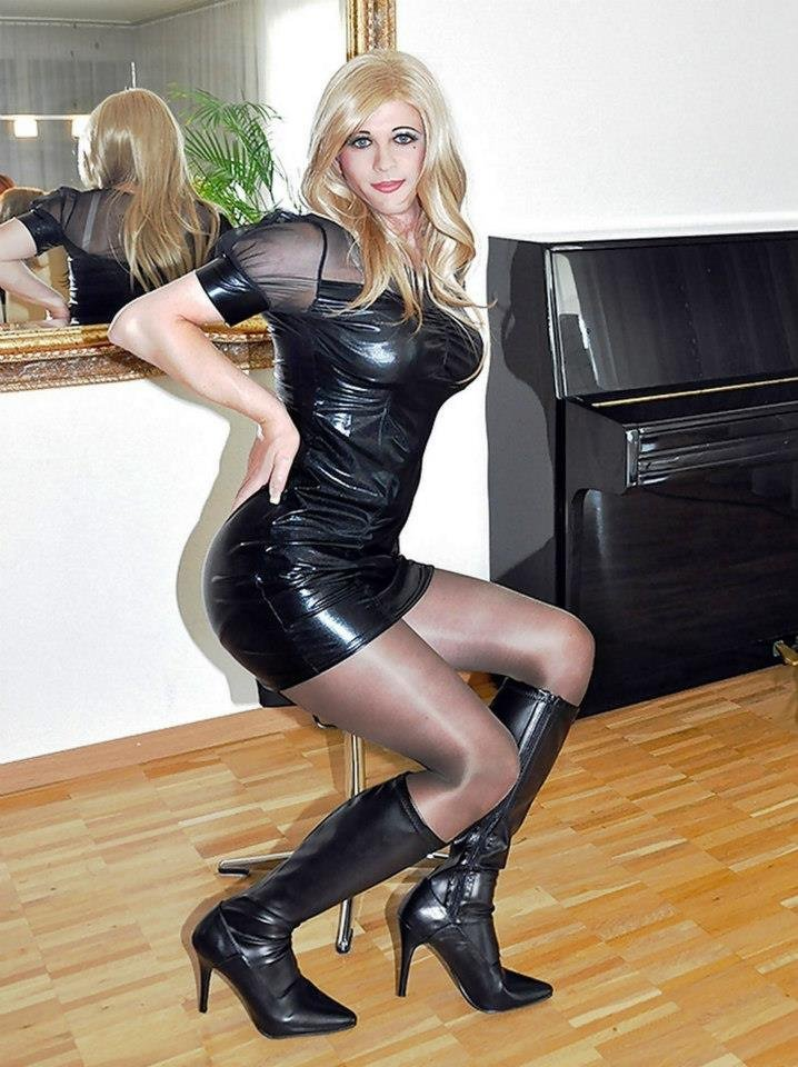 sexy hot crossdresser