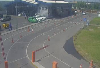 Planta de revisión técnica de #Pudahuel, Américo Vespucio 1303, sector #Enea sin fila de vehículos! @Seremitt_RM @salazarmatias @mtt_chile<br>http://pic.twitter.com/mmcKkcW5vr