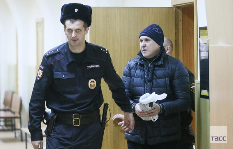 Source: Top manager of Roskosmos died in jail from a deep neck wound.