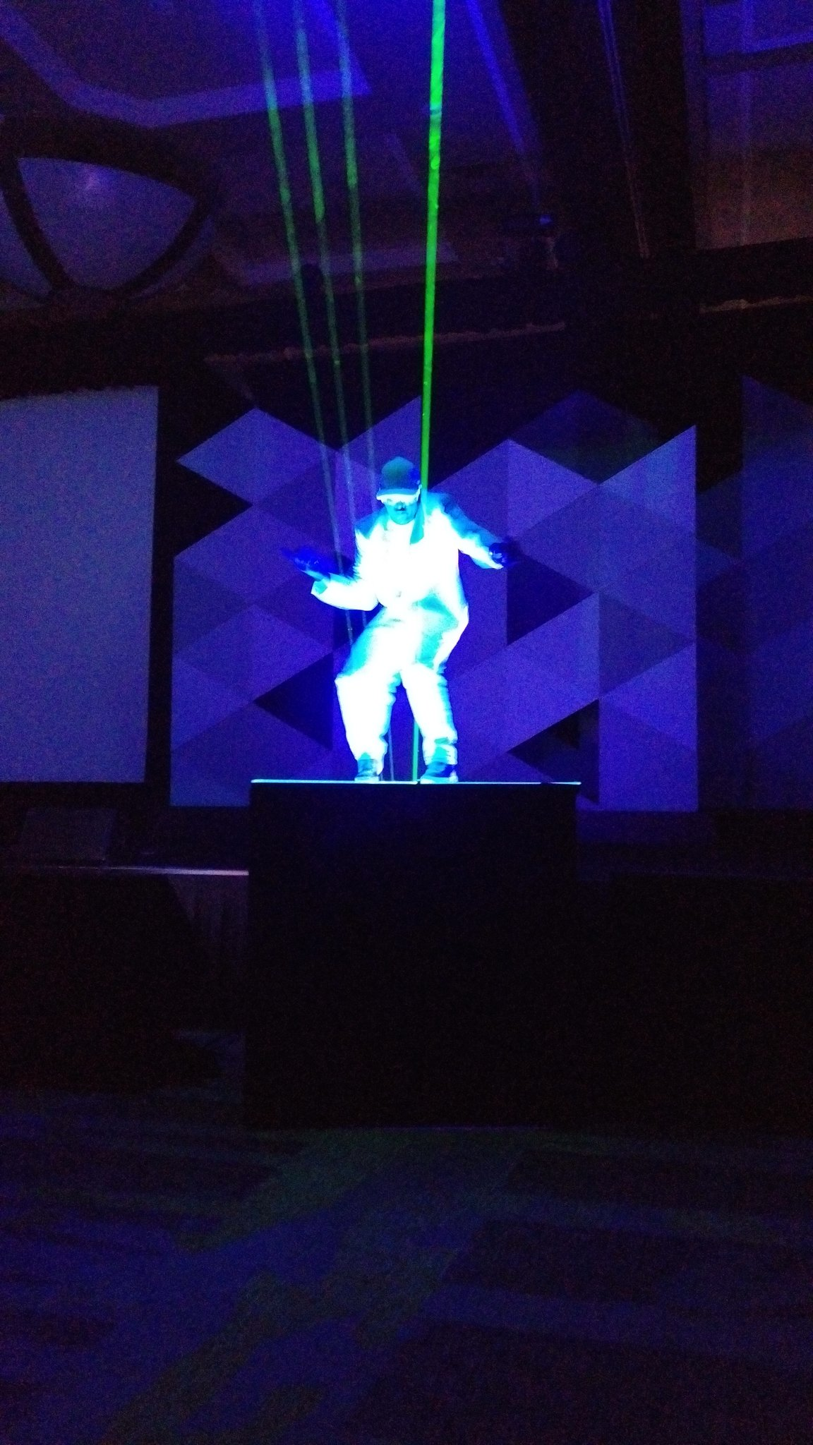 And we are off with a MJ meets BlueMan meets Lasershow #ADPMOTM https://t.co/C8GXwpnaeI