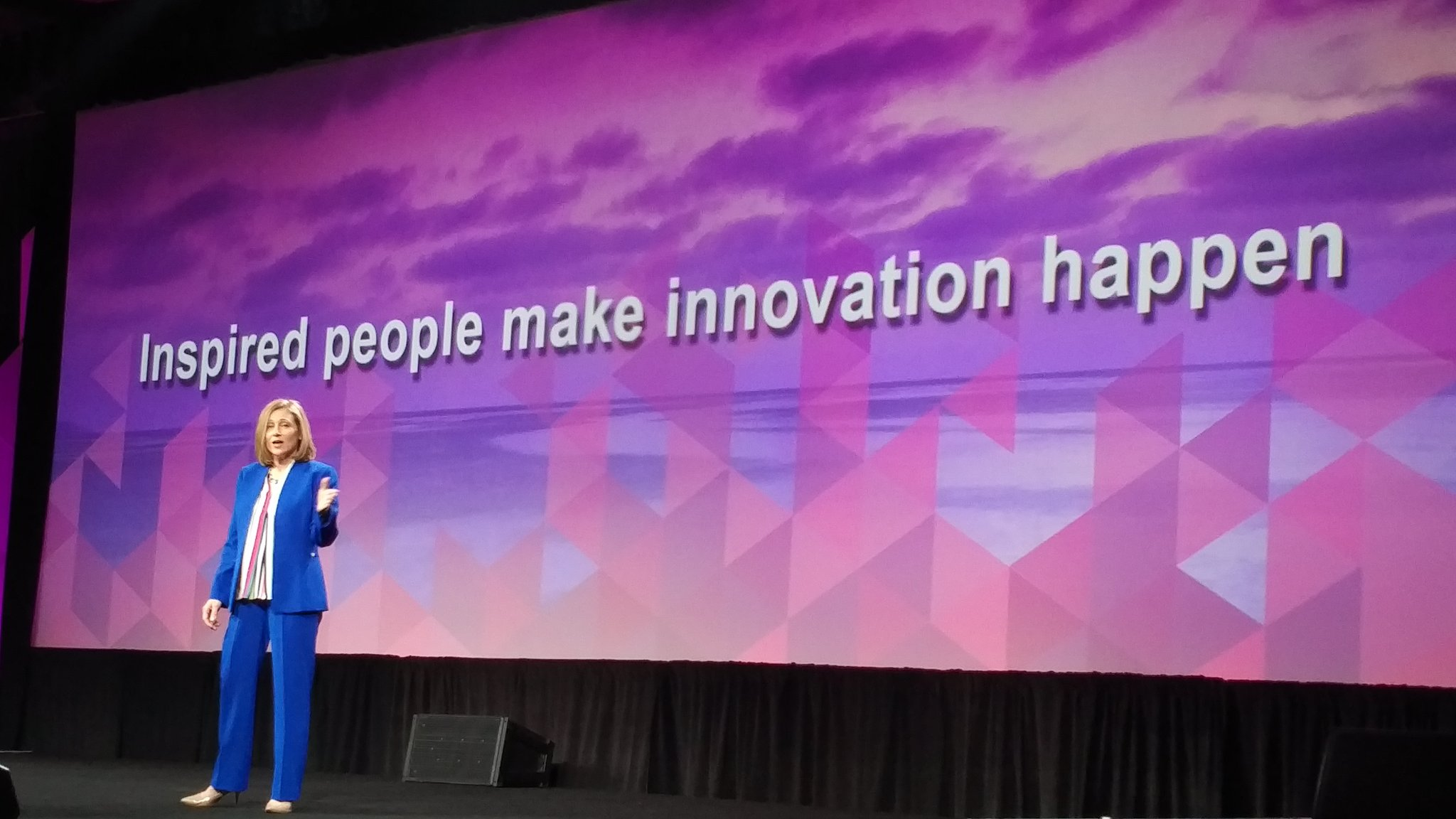 .@erin_siemens - over 1000 inspired people at #ADPMOTM to make #innovation happen. https://t.co/bEc2Iu5WIK