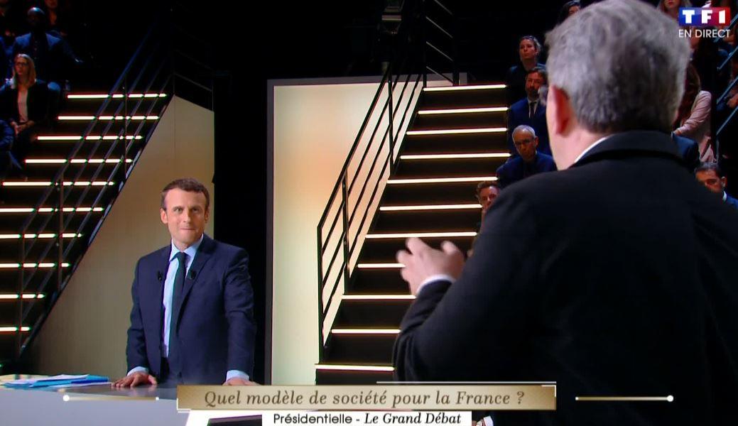 Si ta meuf te regarde comme Macron regarde Mélenchon, t'as tout gagné....