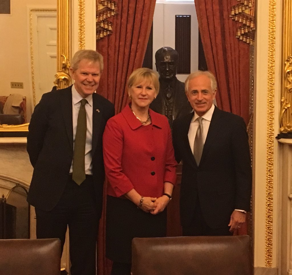 Fruitful discussions on #SE-US bilateral ties, transatlantic relations, European security order and international trade with @SenBobCorker.