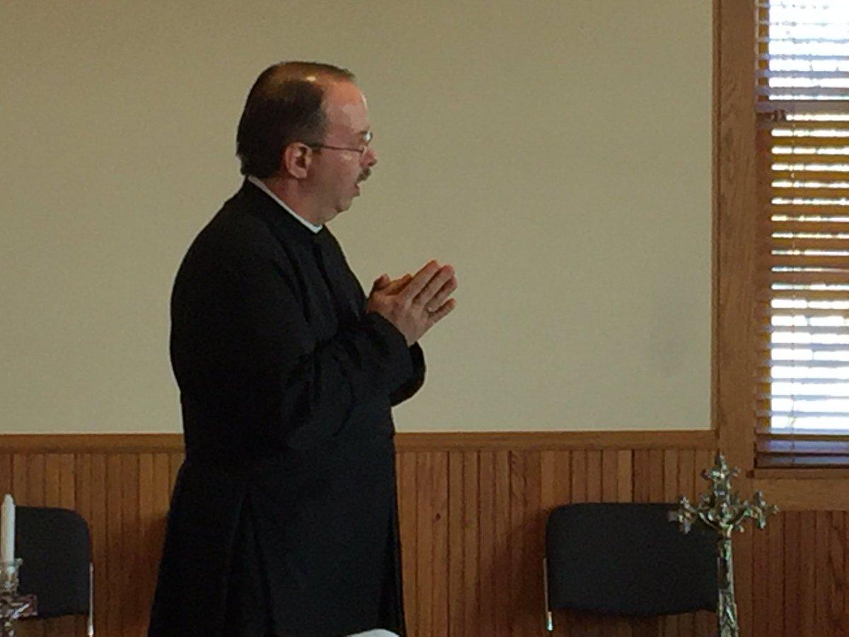 @tamumike #Deacon Mike, #liturgy teacher extraordinaire. #MasterofCeremonies #myrighthand #minororders #usocc #nativitydcatholic.orgpic.twitter.com/jqt1CwzITd