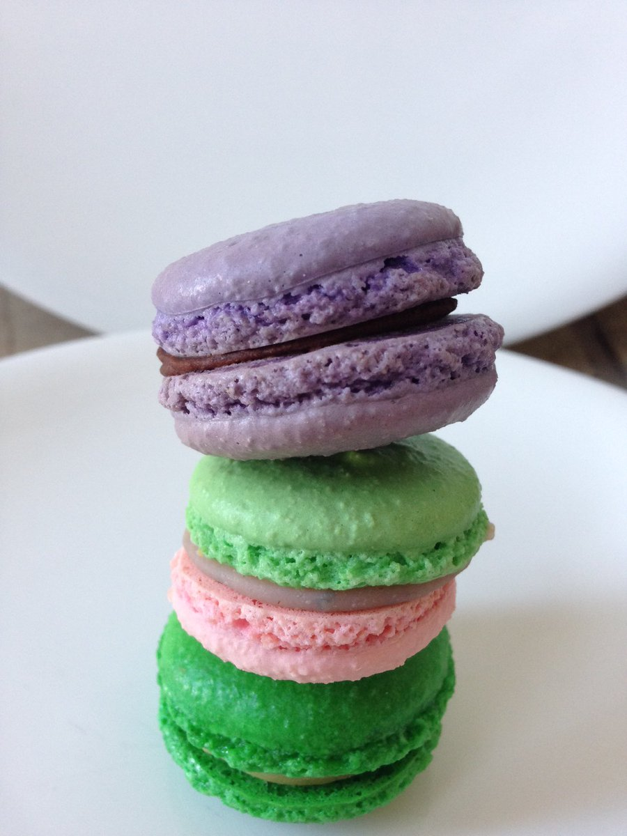 It's #MacaronDay & the #firstdayofspring - seems like a perfect da...