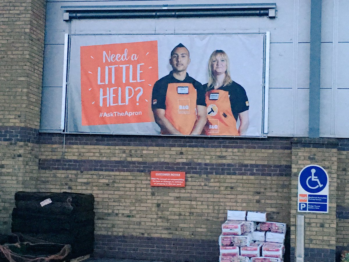 Did Dimitri Payet leave West Ham to work for B&Q? 😂⚽️ #WestHam #Payet #WHU https://t.co/J0oHWn8Jlw