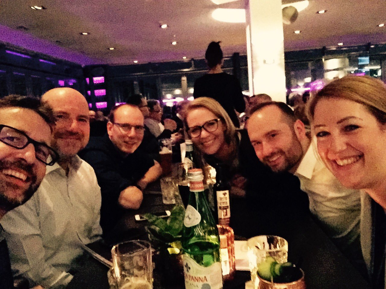 End of #cebiteda day 1 in Hannover - now #eol #EatingOutLoud #6sinne with @lukizzl @tipalemar @frankmbock @anke_wendelken @LarCall 😍 https://t.co/XqVjjcxtE0