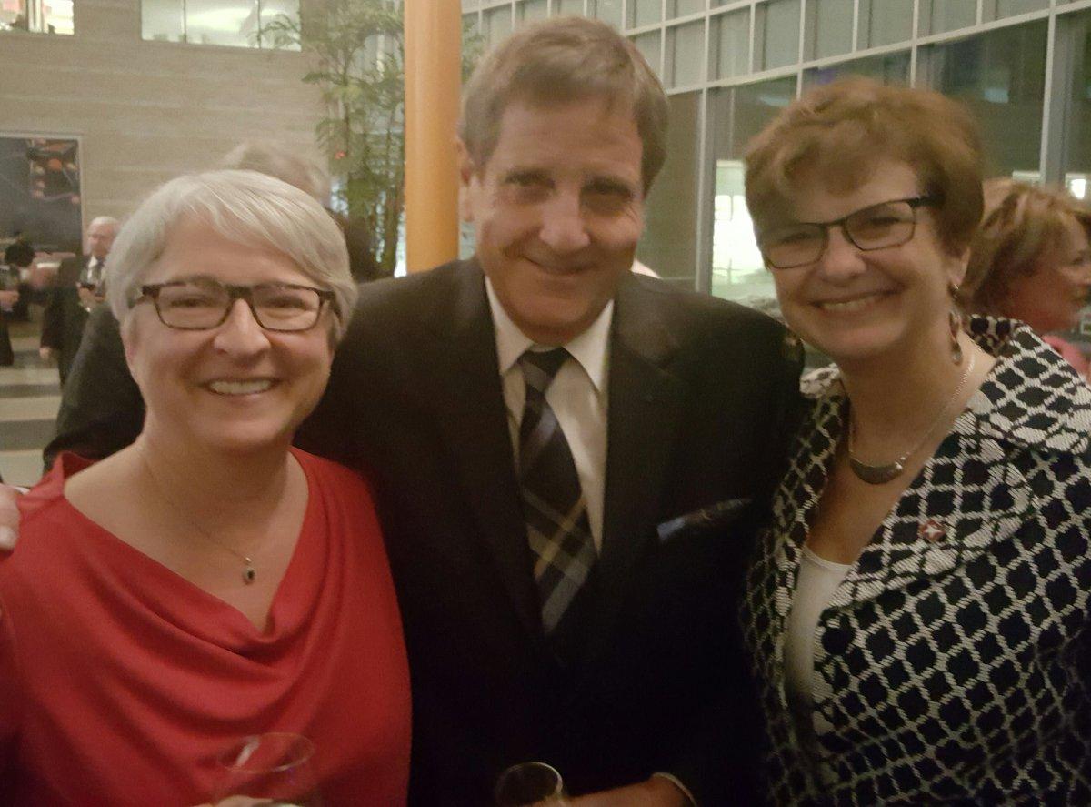 Félicitations à Michel Picard qui reçoit la Clé de @ottawaville Esprit...