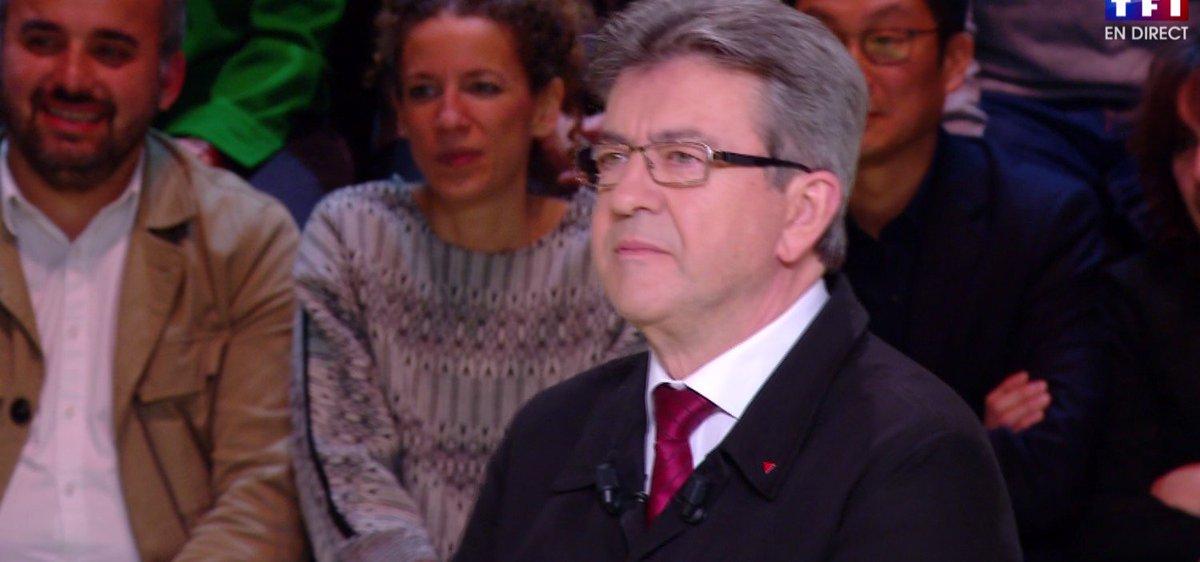 Quand Macron et Hamon débattent @JLMelenchon,  lance :  'Il faut bien qu'il y ait un débat au PS https://t.co/NN4YmfaELy #LeGrandDebat! '