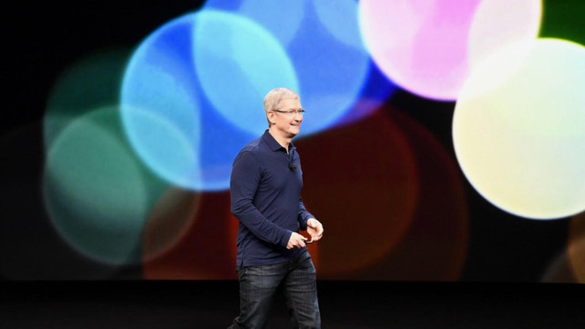 Apple's Tim Cook Is Betting on Augmented Reality