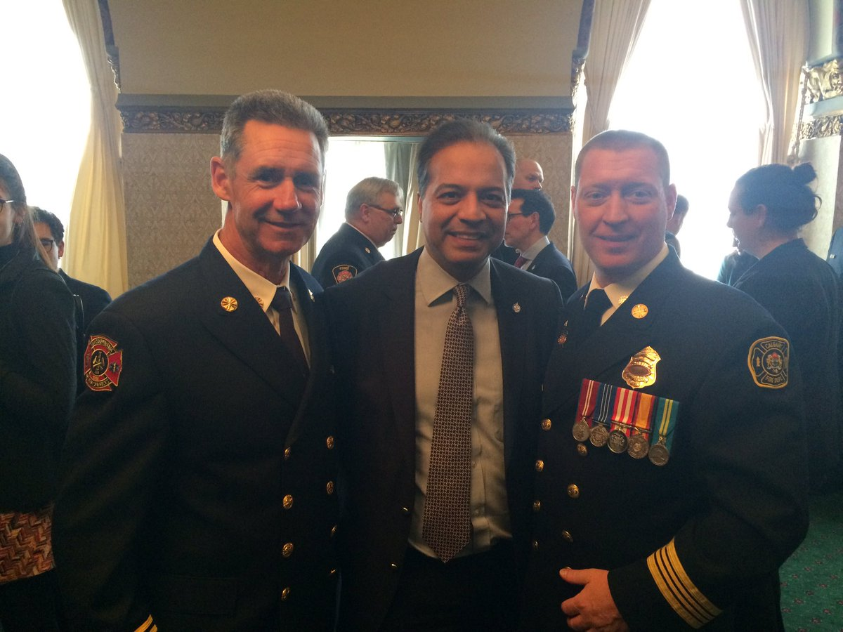 Happy to meet members of @CdnFireChiefs - thank you for all your hard...