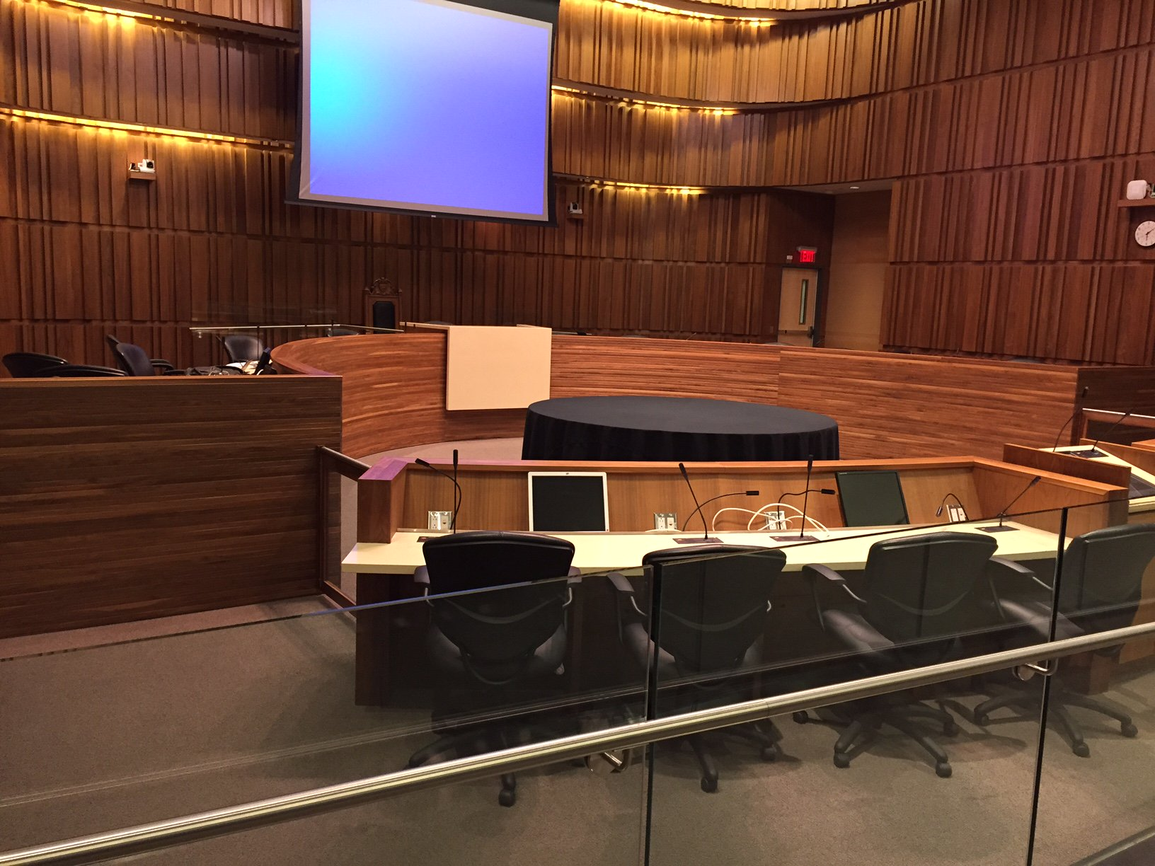Council begins at 6:30. Here's what's on the agenda: https://t.co/pHQH90n8Pi #Guelph https://t.co/Z2trG3gQov