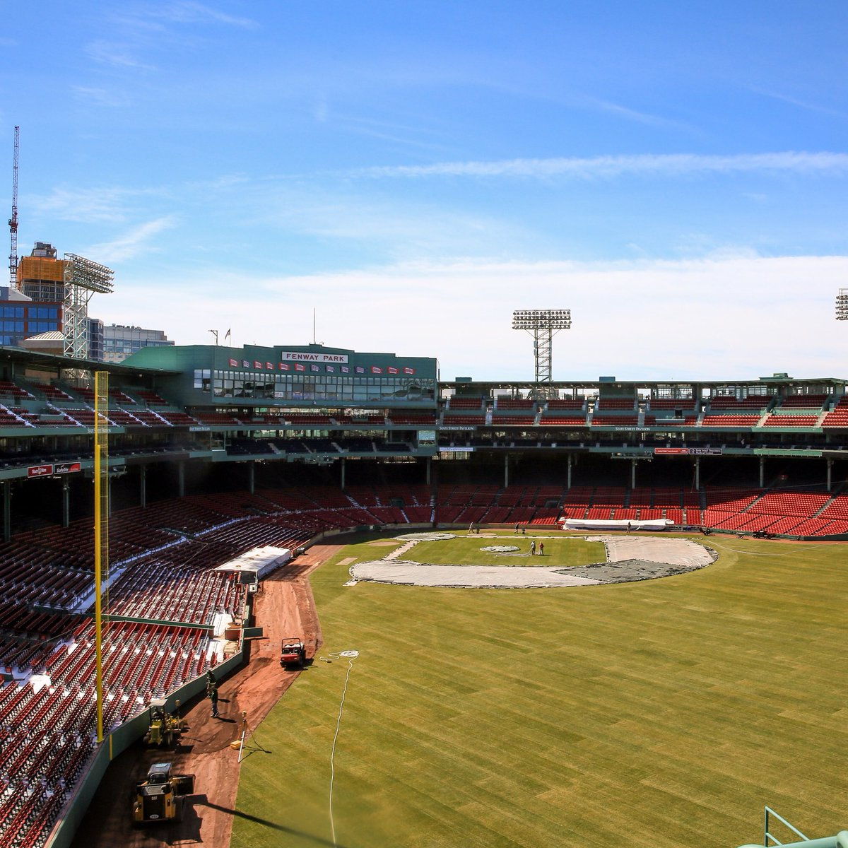 This is what the #FirstDayOfSpring looks like at #MyFenway. ☀️ https:/...