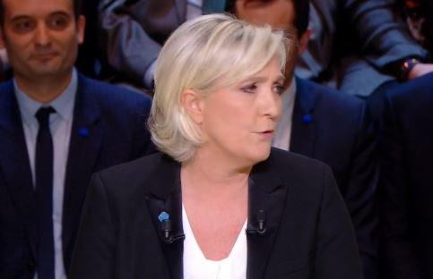#LePen &quot;la plupart des promesses de ce soir ne pourront être tenues car l&#39;#UE nous interdit les mesures de bon sens&quot;  https:// francais.rt.com/france/35484-p residentielles-suivez-premier-debat-direct &nbsp; … <br>http://pic.twitter.com/pryLagbAhn
