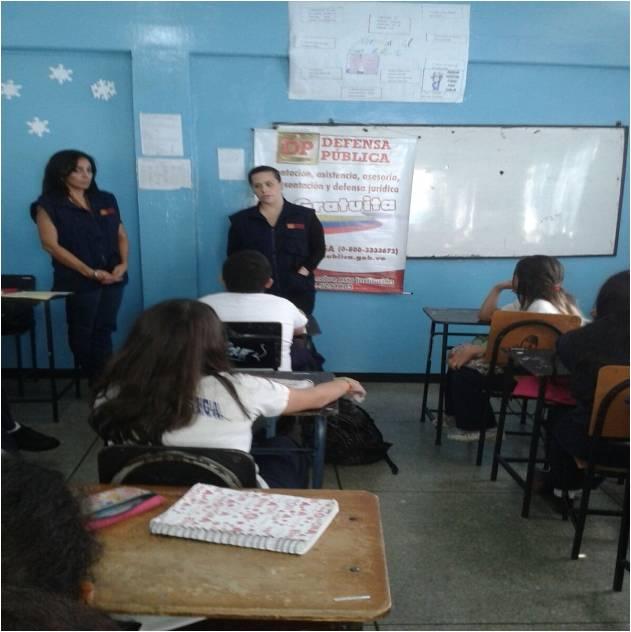 #EsNoticia Alumnos del colegio El Bosque conocieron sus derechos y deb...