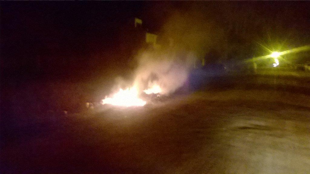 #Funes #Ahora #Quema de Basura en Calvo esquina Independencia. <br>http://pic.twitter.com/KCnMq3HSPx