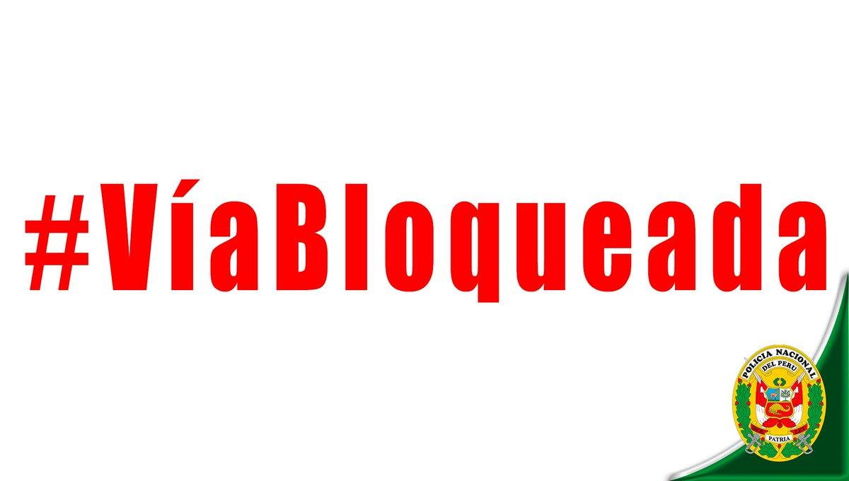 #VíaBloqueada KM. 66 CARRETERA #LIMA - #CANTA <br>http://pic.twitter.com/kSNhzu6jba