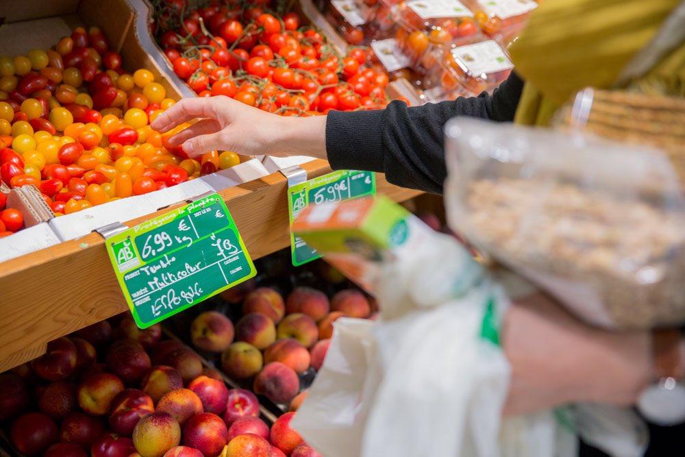 Dans un instant, la conférence de presse de l&#39;UNFD : 80 ans au service des commerces alimentaires de proximité #alimentation #commerce <br>http://pic.twitter.com/rBWnkxhPje