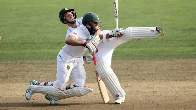 New Zealand take charge after South Africa suffer stunning batting collapse