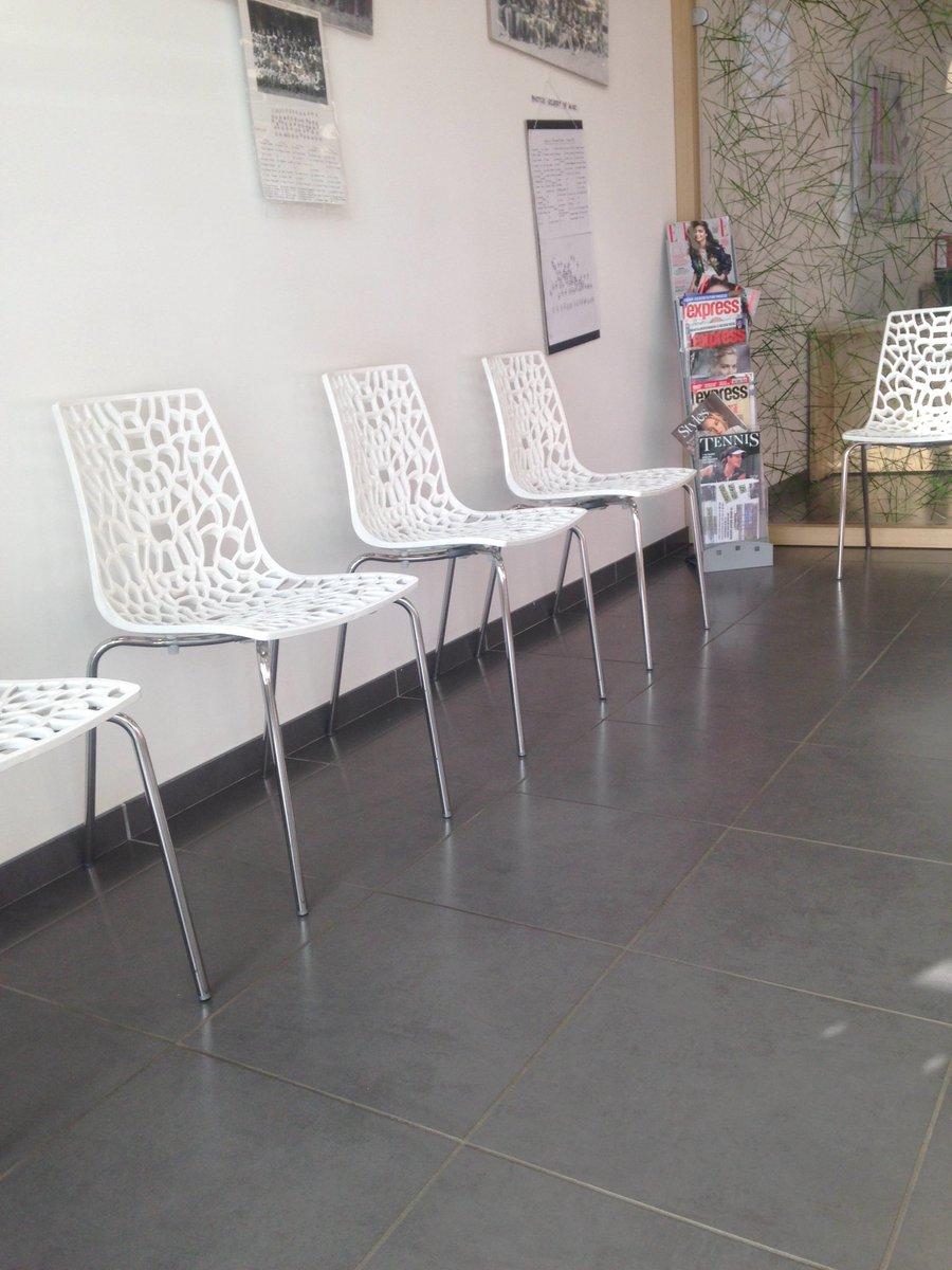 Salle d attente pour 2h... #test #diabete #jeveuxdormir<br>http://pic.twitter.com/neyRdIRqaZ