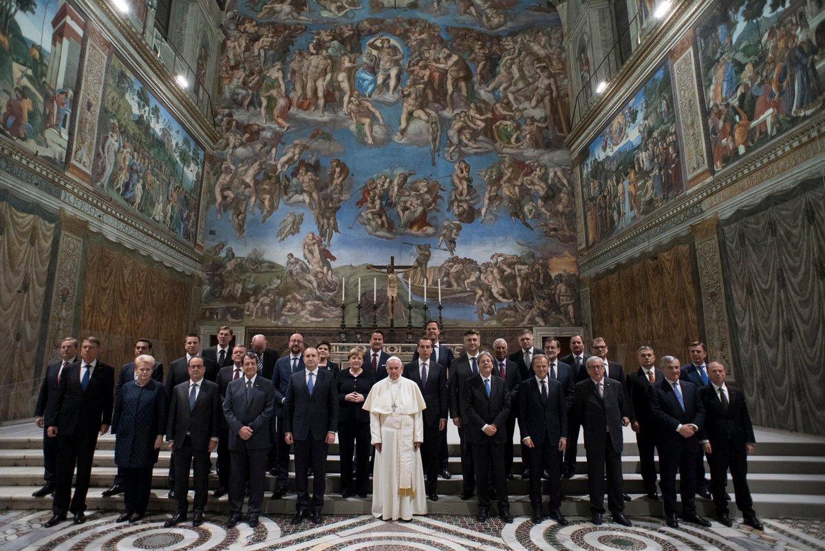 La visite des chefs d&#39;Etats #UE au #Vatican est la preuve du complot du monde chrétien contre la #Turquie dénoncent #Erdogan et ses médias.<br>http://pic.twitter.com/QG6vdV4pmF