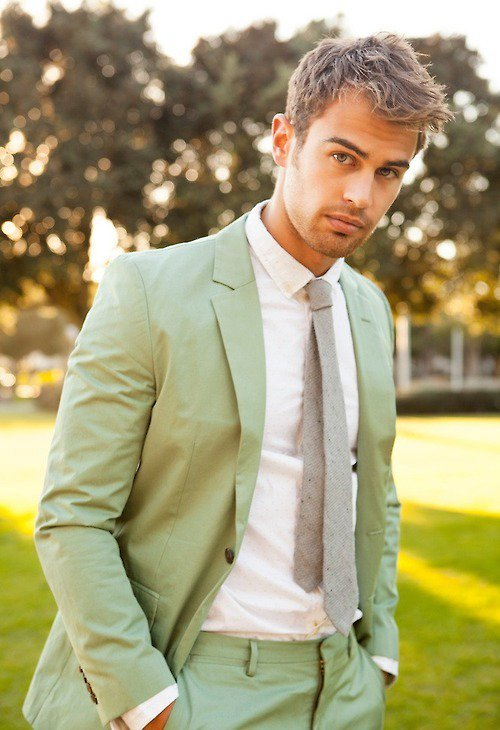 #men #SUIT #guys #theo james #james d&#39;arcy #suits #tobias #divergent #green suit #happy  http://www. lawyersuits.com/i/theo-james-m ay-actually-be-a-mythological-god-65584681-16ad-473c-96ee-9c9d84a4b168.html &nbsp; … <br>http://pic.twitter.com/VhAHRw9Cld