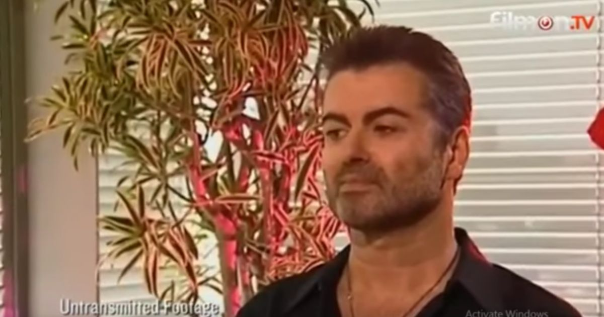 George Michael : Drogue et sexualité, un documentaire &quot;voyeuriste&quot; fait scandale  http:// bit.ly/2otThz3  &nbsp;   #music #musique<br>http://pic.twitter.com/v8VkaGz0Se