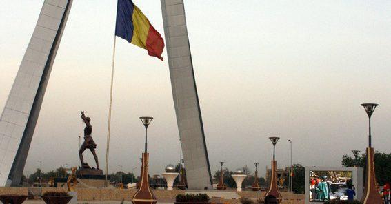 «Tournons la page»: au Tchad, des mouvements citoyens appellent à l&#39;alternance démocratique @jeune_afrique  http://www. jeuneafrique.com/421801/politiq ue/tchad-trois-mouvements-dopposition-citoyenne-lancent-campagne-tournons-page/ &nbsp; …  #a <br>http://pic.twitter.com/ogxhKRIXip
