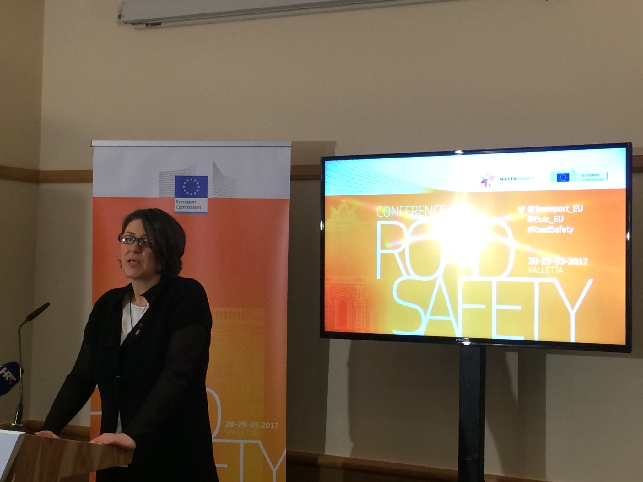 #RoadSafety : @Bulc_EU calls on continued efforts to decrease the number of road fatalities! @TISPOLorg @EuCyclistsFed @ERSCharter @EuroRAP https://t.co/wSdbGsUEy4