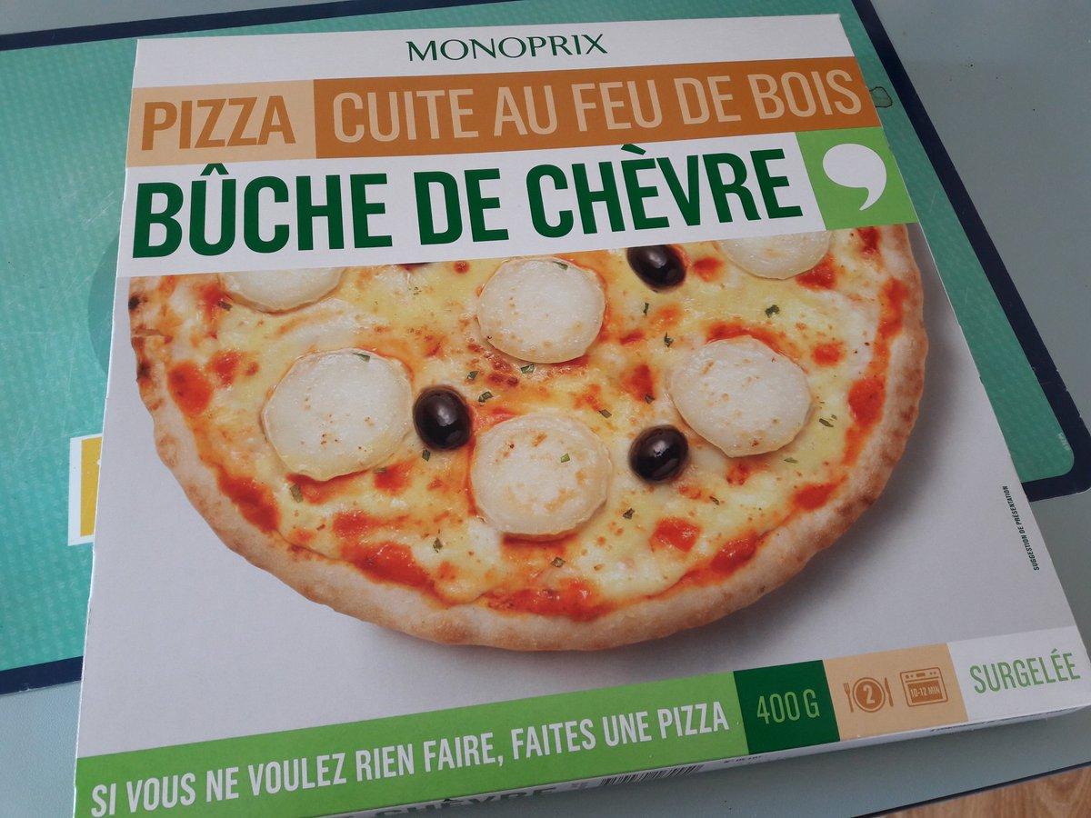 Vu que j&#39;ai marché 1h plutôt que de prendre le bus ce matin, je me suis offert cette superbe pizza #healthy #sport<br>http://pic.twitter.com/Jinf9sQvzP