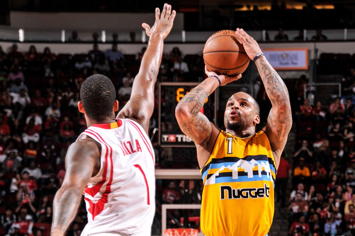 Buckle up, folks. #Nuggets 97 - Rockets 94