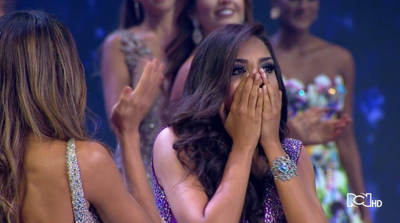La candidata del departamento de Cartagena se coronó como la nueva #SeñoritaColombia. https://t.co/n2kN9EyD9P