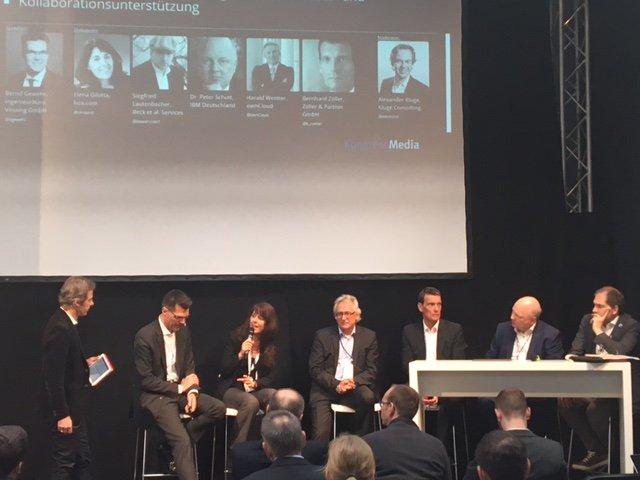 """@b_zoeller beim Expert-Panel in der #cebiteda zu Prozess- und Kollaborationsunterstützung: """"E-Mail ist nur ein Transportsystem"""". https://t.co/n0BxCmmaGk"""