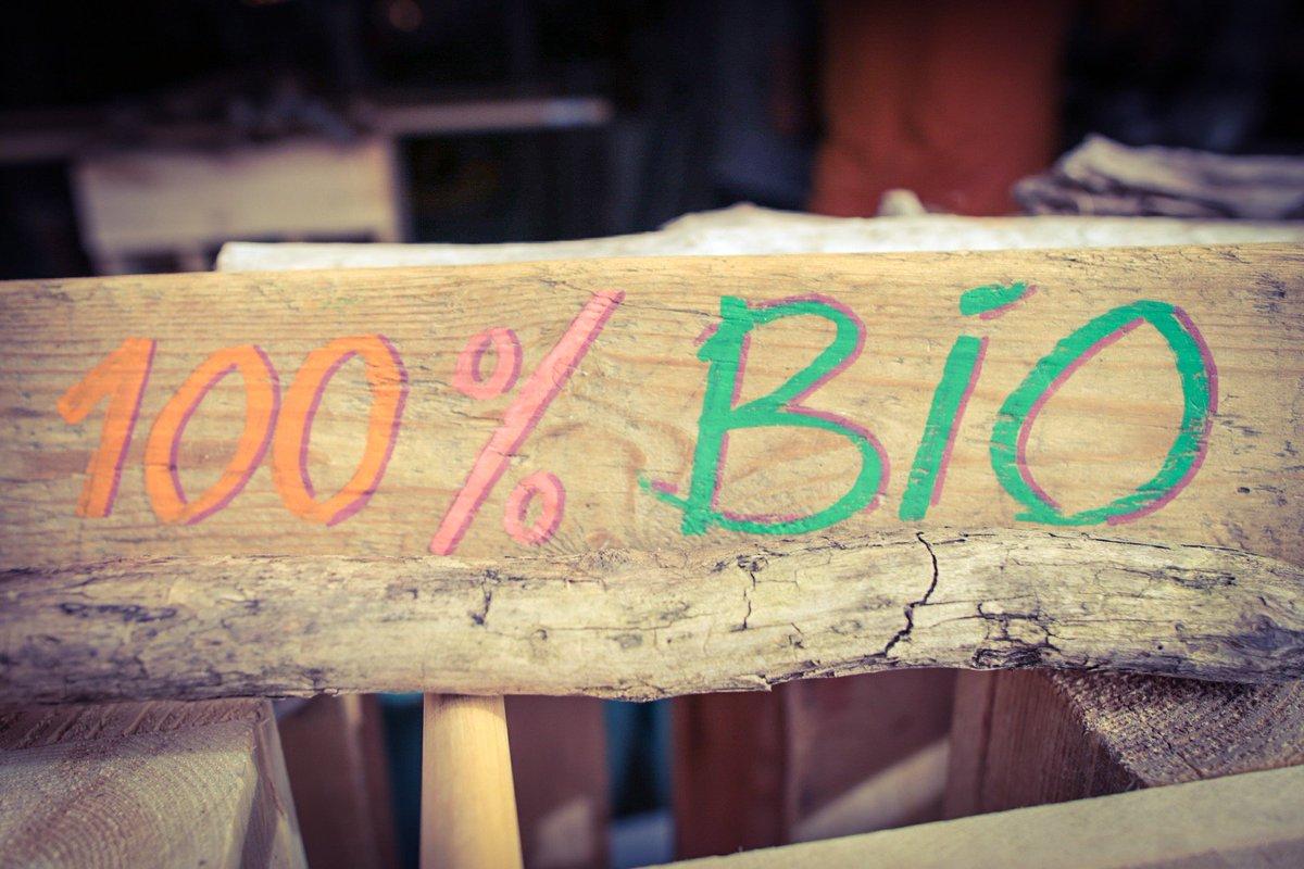 #Akotzen propose du #sportswear 100% #bio labellisé #GOTS, @fairwear_org et #OCS http:// akotzen.com  &nbsp;   La marque made in Acotz #paysbasque<br>http://pic.twitter.com/BARgc9MHnu