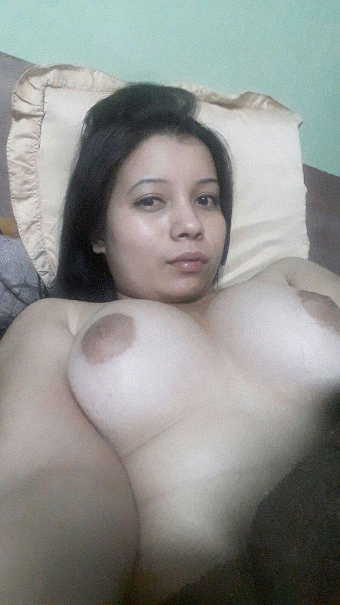 Nude Selfie 10951
