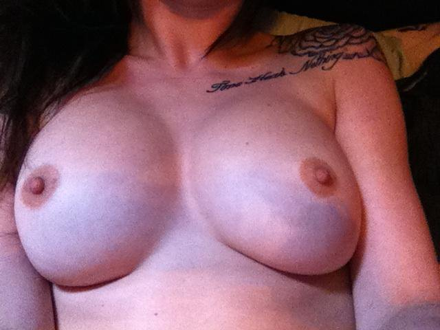 Nude Selfie 10981