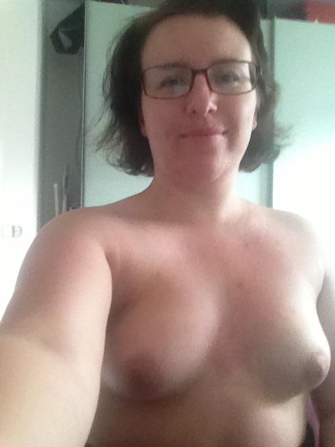 Nude Selfie 10991