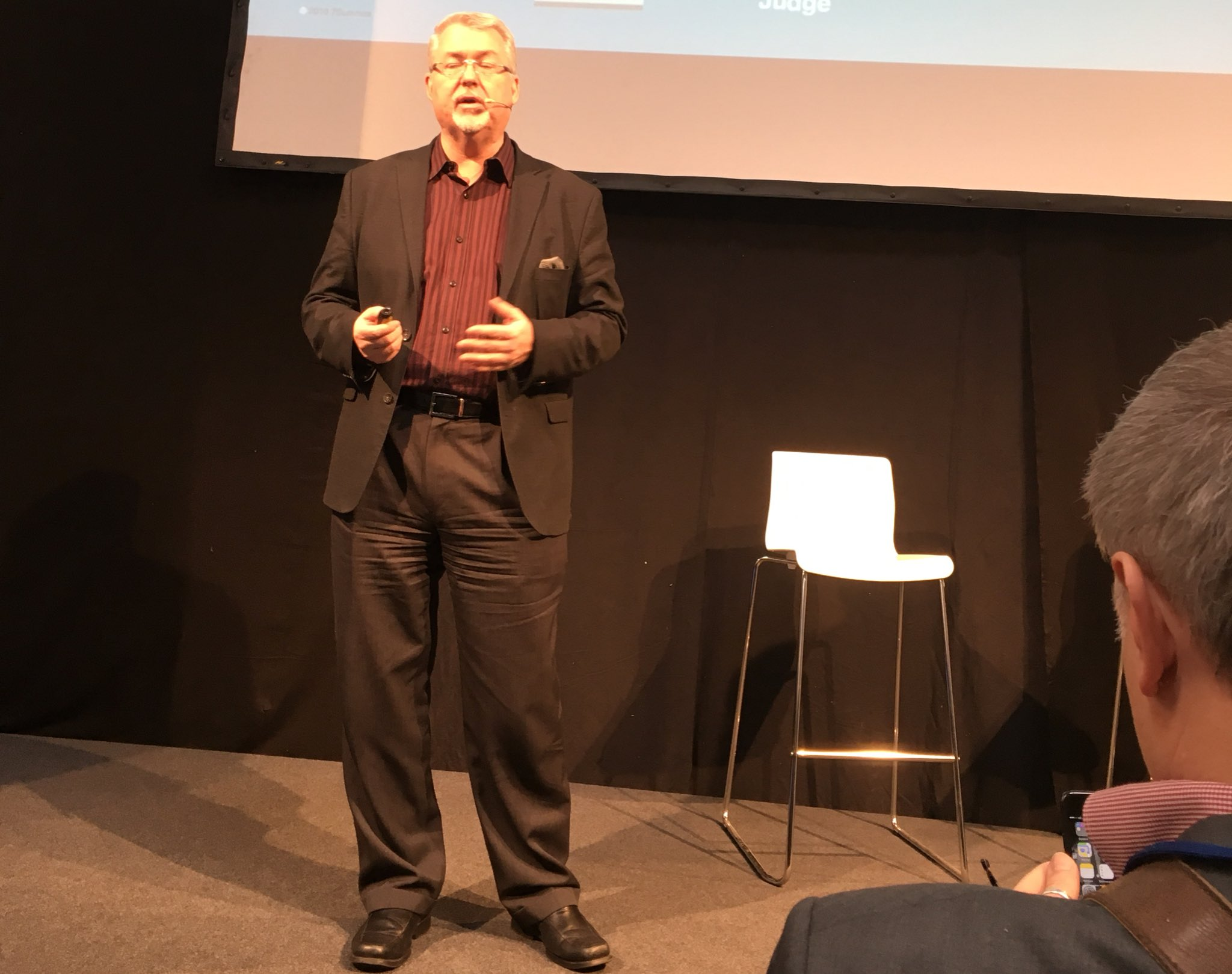 Don't miss Digital Workplace Mastermind @dhinchcliffe NOW on #cebiteda https://t.co/nDkY9bshC0