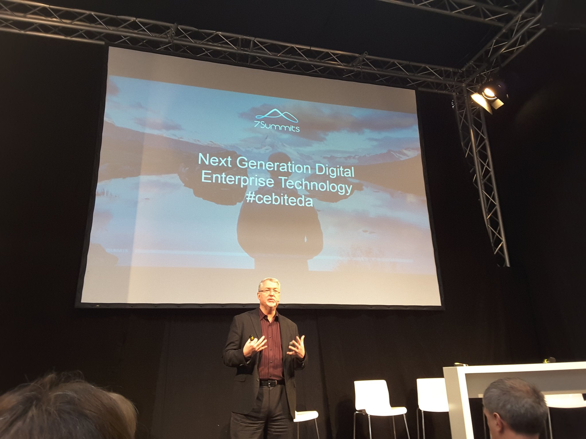 Defintely a highlight of this years #cebiteda - to hear  @dhinchcliffe talking about the next gen digital enterprise technlogy https://t.co/XgkAgiC1YA