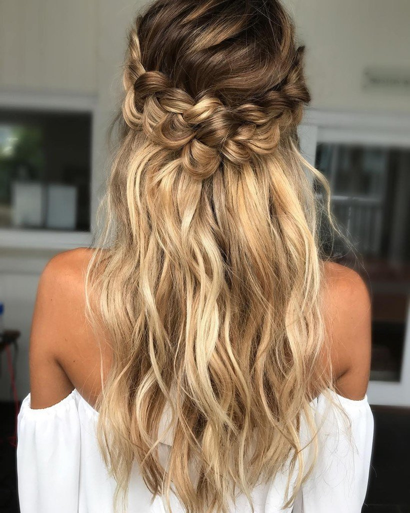 Une coiffure bohème-chic qui nous inspire le printemps  #lookdujour #ldj #hair #hairdo #u…  http:// ift.tt/2n3baFa  &nbsp;  <br>http://pic.twitter.com/7n8EBZ4rfw